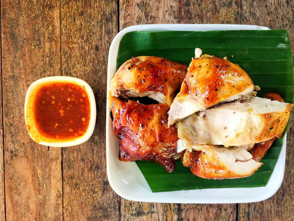 Travel in Thailand and taste famous delicacies in each