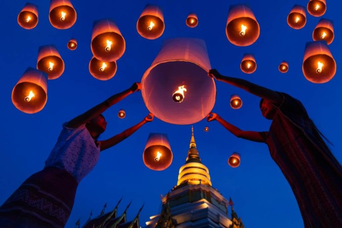 Floating lantern in Chiang Mai