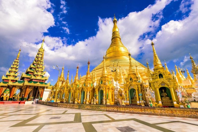 Shwedagon Pagoda - Yangon Travel Guide
