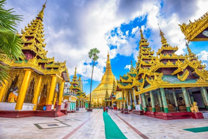 Shwedagon Pagoda yangon travel guide