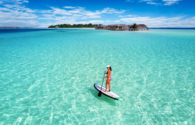 Stand-up Paddle Boarding Maldives Travel Guide