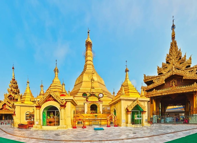 Sule Pagoda - Yangon Travel Guide