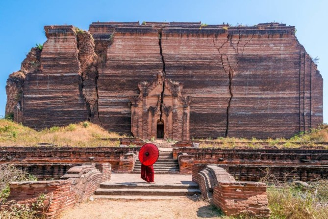 The Mingun Pagoda and The World's Largest Ringing Bell mandalay travel blog