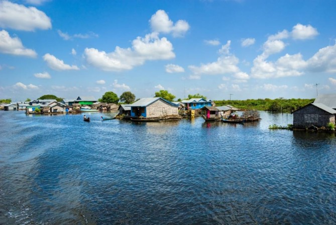 Tonle Sap Lake - Siem Reap travel guide