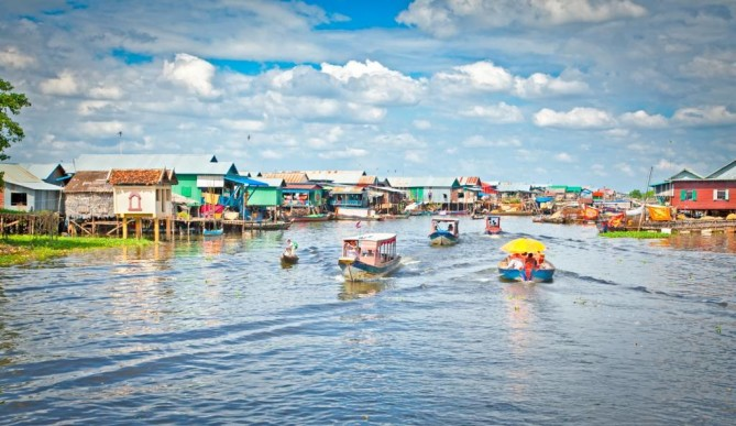 Tonle Sap Lake siem reap travel guide