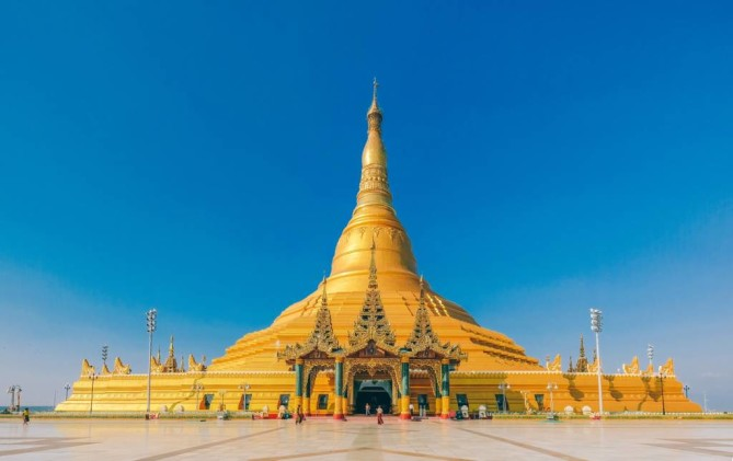 Uppatasanti Pagoda nay pyi taw travel guide