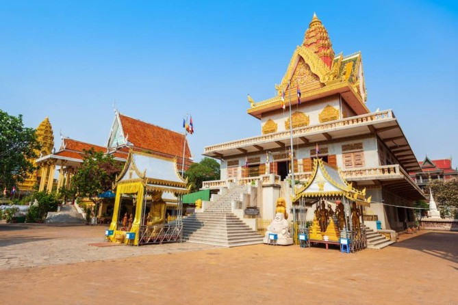Wat Ounalom Phnom Penh Travel Guide