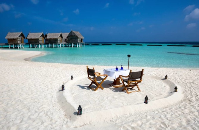 barefoot lunch in maldives
