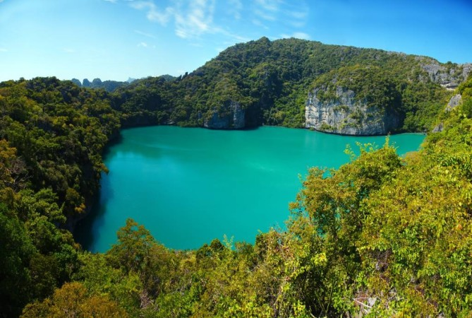 emerald lake in Ang Thong National Marine Park