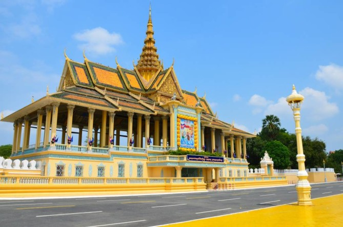 royal palace silver pogoda phnom penh travel guide