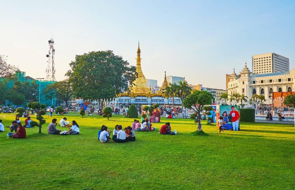 Reasons Why You Should Celebrate New Year's Eve In Yangon Myanmar